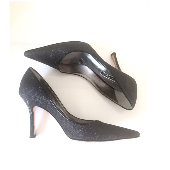 Black sexy pump confirm
